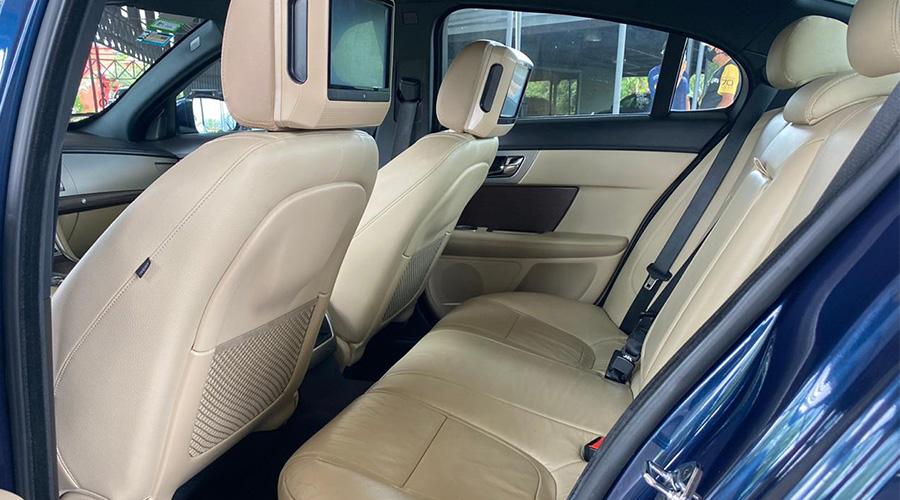 Jaguar XF full